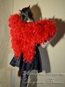 фото костюм чертенка с крыльями вид сзади