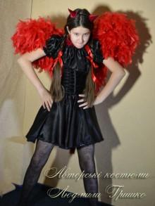 фото костюм на halloween для девочки чертик с крыльями