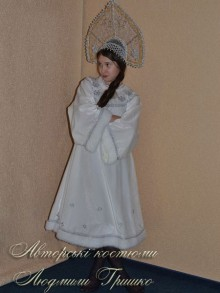 авторский новогодний костюм снегурочки белый фото