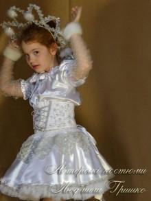 фото костюм Снежинка купить в корсете, расшитом серебром вручную