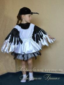 авторский костюм сороки для девочки фото