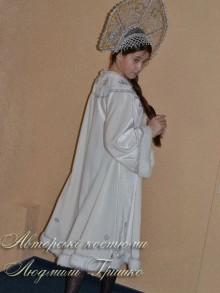 костюм снегурочки белый фото вид со спины