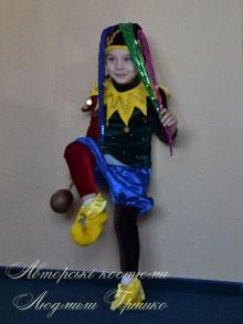 авторский карнавальный костюм шута фото