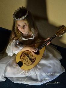 фото маскарадный костюм принцессы с мандалиной
