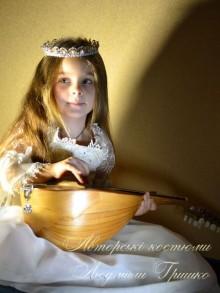 костюм принцессы с мандалиной фото