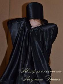 фото черный плащ вампира и атласный цилиндр