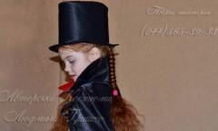 плащ вампира и цилиндр фото аксессуары на Хеллоуин