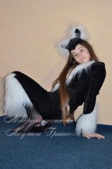 костюм черной кошки с белыми вставками фото