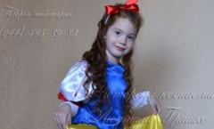 фото карнавальный костюм Белоснежки для девочки