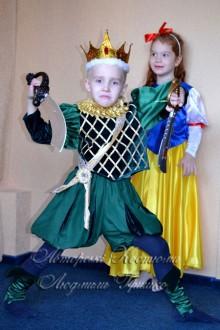 костюмы сказочных героев Белоснежка и принц фото