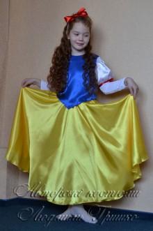 фото костюм Белоснежки, длинная юбка-солннц