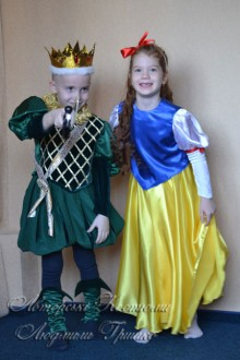 авторские карнавальные костюмы Белоснежка и Принц фото