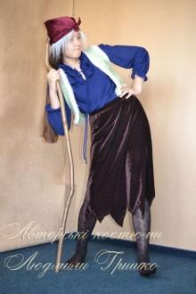 фото костюм Бабы Яги с седыми волосами