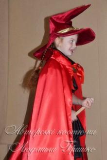 колдунья в красном фото 0832