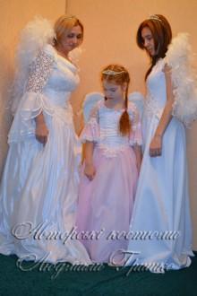 фото авторских маскарадных костюмов - три ангела