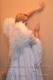 костюм ангела с крыльями из натурального пера фото