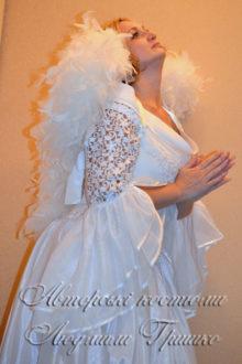 женский костюм ангела на halloween фото