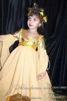 авторский костюм осень для девочки фото