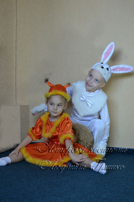 белочка и зайчик фото детских костюмов на праздник осени