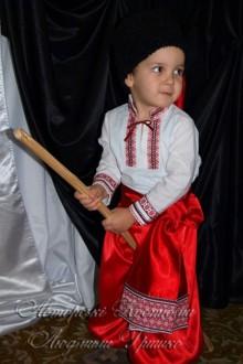 украинский костюм для мальчика на праздник осени фото