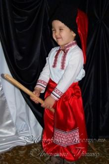 украинский костюм фото в шапке и шароварах