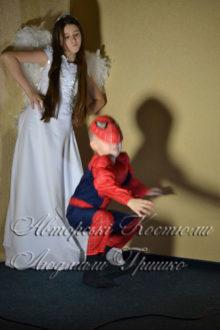 ангел и спайдермен костюмы на новый год