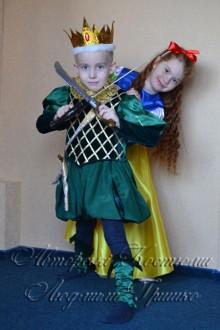 костюм короля для мальчика фото с саблями