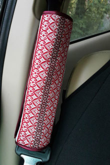 подушка на ремень безопасности для машины фото