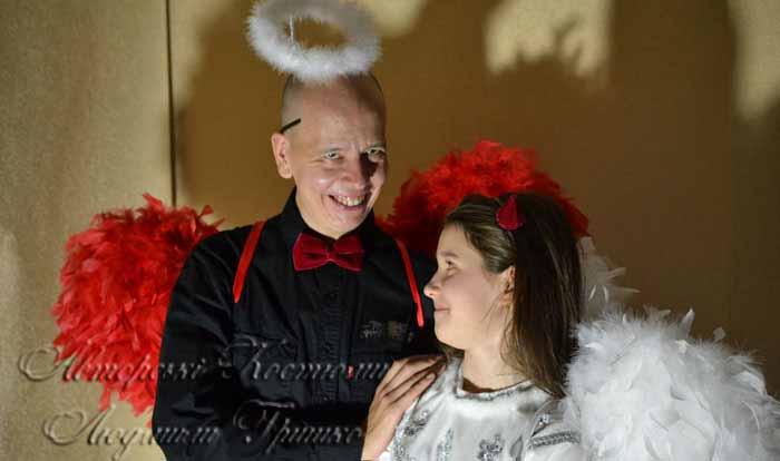 костюмы ангела и демона на halloween фото