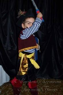 фото карнавального костюма разбойника пирата