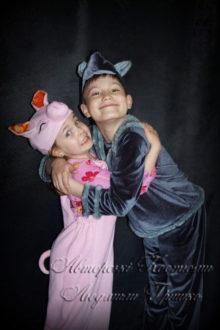 фото авторских костюмов для детей волк и поросенок