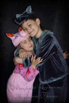 волк и поросенок фото авторских детских костюмов на новый год