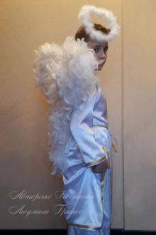 костюм ангел мальчик фото крыльев крупным планом