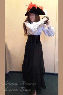 костюм разбойницы из сказки снежная королева фото