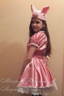 карнавальный авторский костюм поросенка для девочки фото