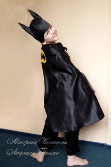 костюм Бэтмена фото вид сбоку