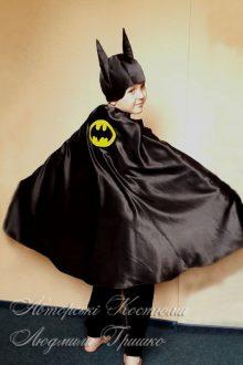 костюм Бэтмена фото вид сзади