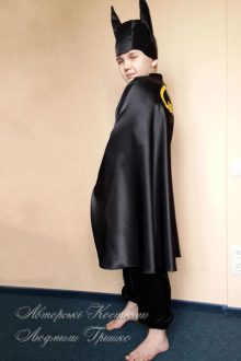 костюм Бэтмена фото в плаще
