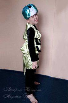 костюм гусеницы для мальчика фото вид сбоку