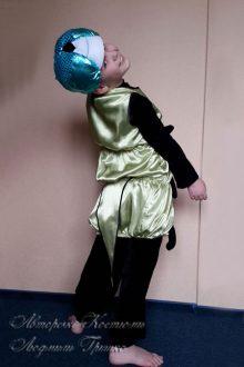 костюм гусеницы для мальчика фото вид со спины