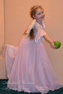 розовый ангел фото карнавального костюма