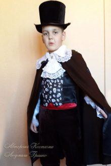 фото детский костюм вампира на Halloween