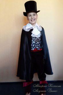детский костюм вампира на Halloween фото