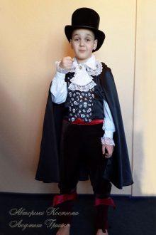 фото авторский костюм вампира на Halloween