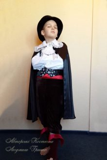 костюм вампира на Halloween фото карнавального костюма