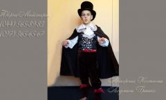 костюм вампира на Halloween фото