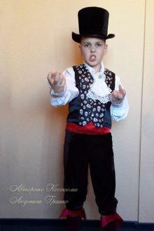 фото карнавальный костюм вампира