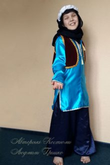 восточный костюм для мальчика фото в черном платке