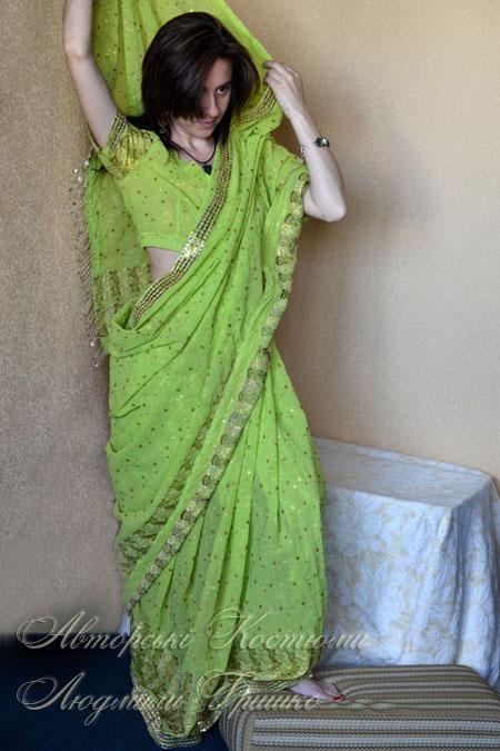 сари - индийская национальная одежда