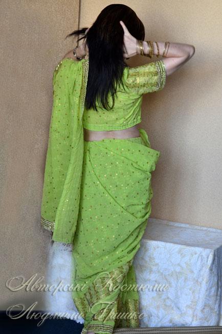 индийское сари вид со спины
